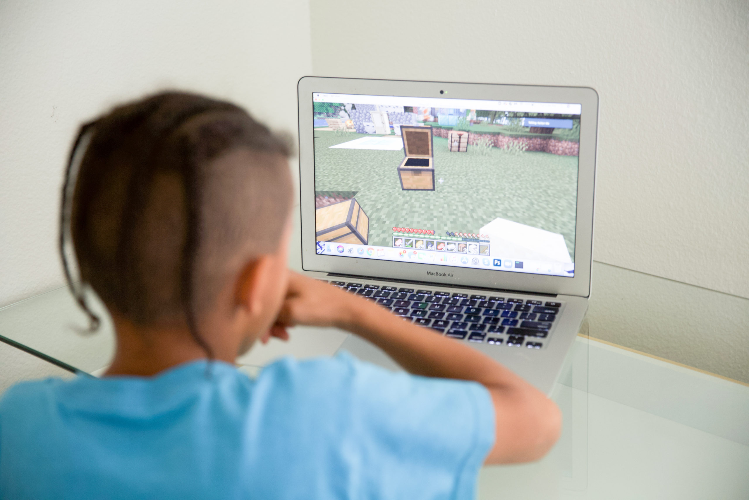 Playing Minecraft teaches coding